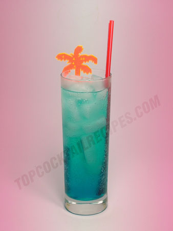 vodka cocktail mixed with curacao and soda